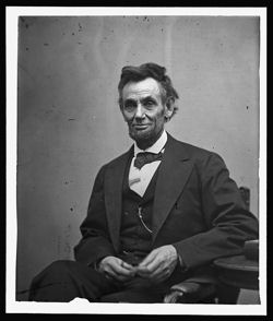 Lincoln Seated Small
